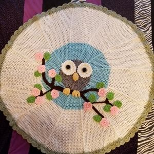 """""""Owl on a Limb"""" Crocheted Round Blanket"""